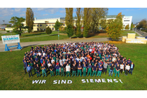Siemens Employees fighting against divestment of the Siemens generator plant Erfurt