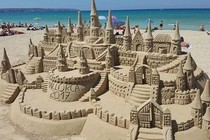 "SOS ""Save our Sandcastles"" -  Erhalt der Sandburgen in Mallorca"