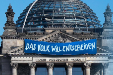 NL05_Volksentscheid_Koalitionsvertrag
