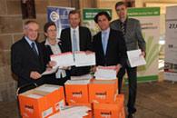 Bild: 200.000 Unterschriften gegen die Pferdesteuer.