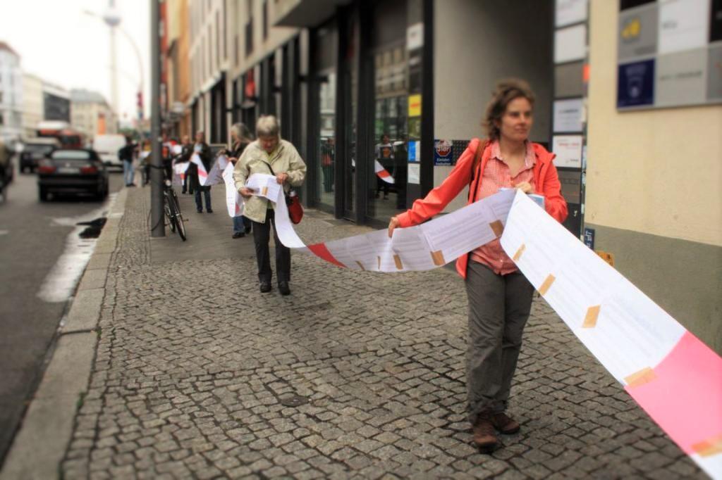 Übergabe einer Petition zur Rettung der Landesbibliothek Berlin